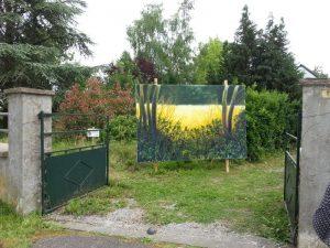 Villeveque 2016 la toile en situation dans le jardin (5) redim
