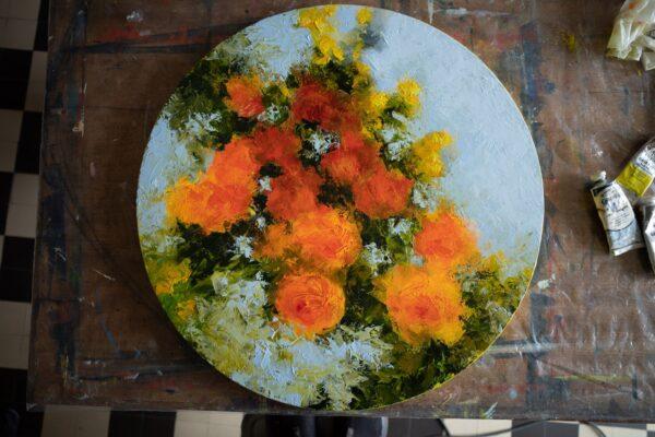 Tondo floral roses oranges, huile sur toile, 50cmØ